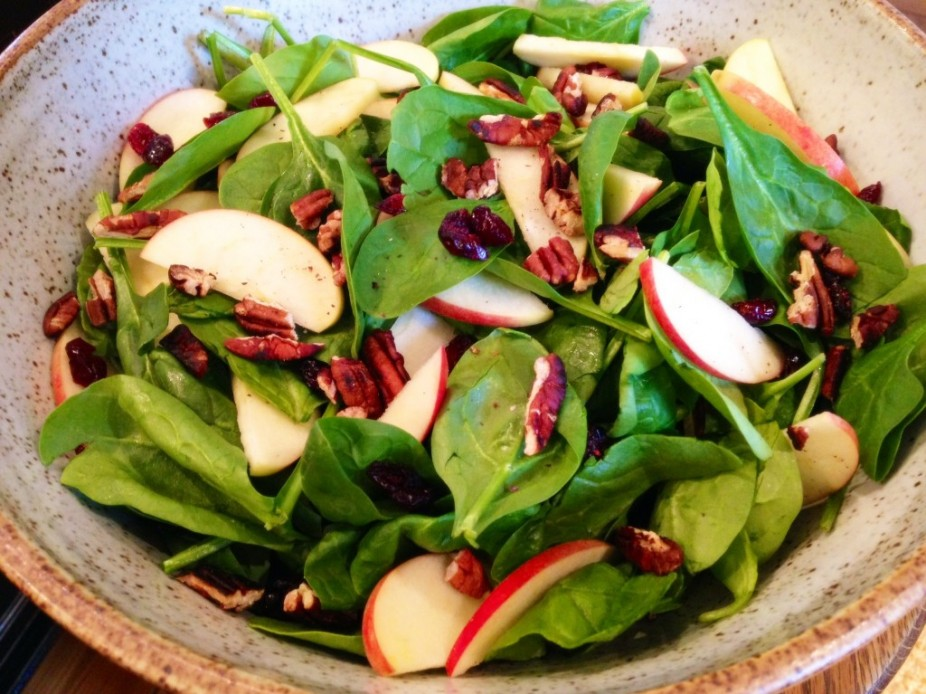 Spinach, Apple & Cranberry Toasted Pecan Salad