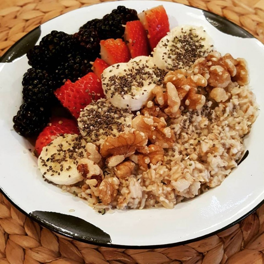 Simple Oatmeal Bowl