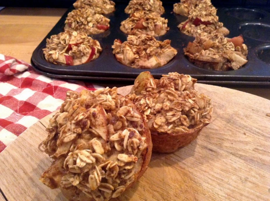 Baked Apple Oatmeal Muffins