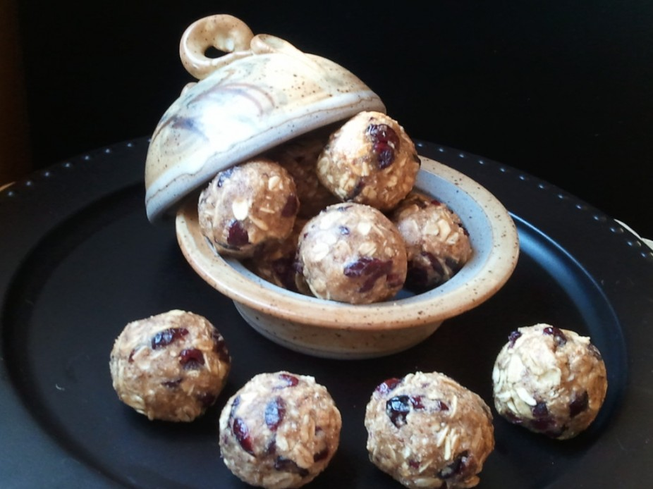 Pb & Fruit Energy Balls